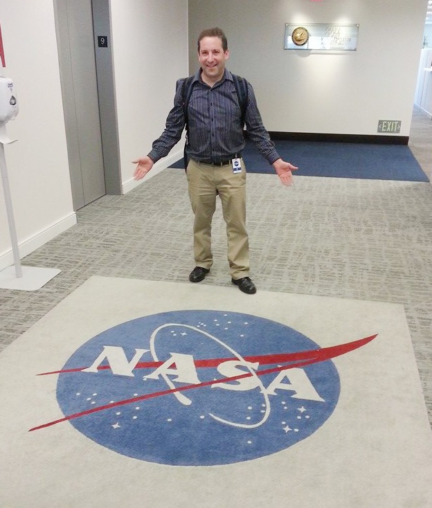 Kevin Lerner at NASA Headquarters about to conduct PowerPoint training